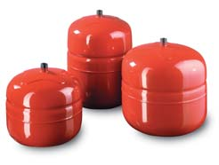 Expansion tanks for heating instalations
